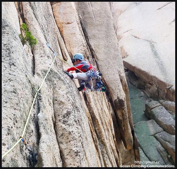 설악산 울산암 새로운 루트 그린나래 등반