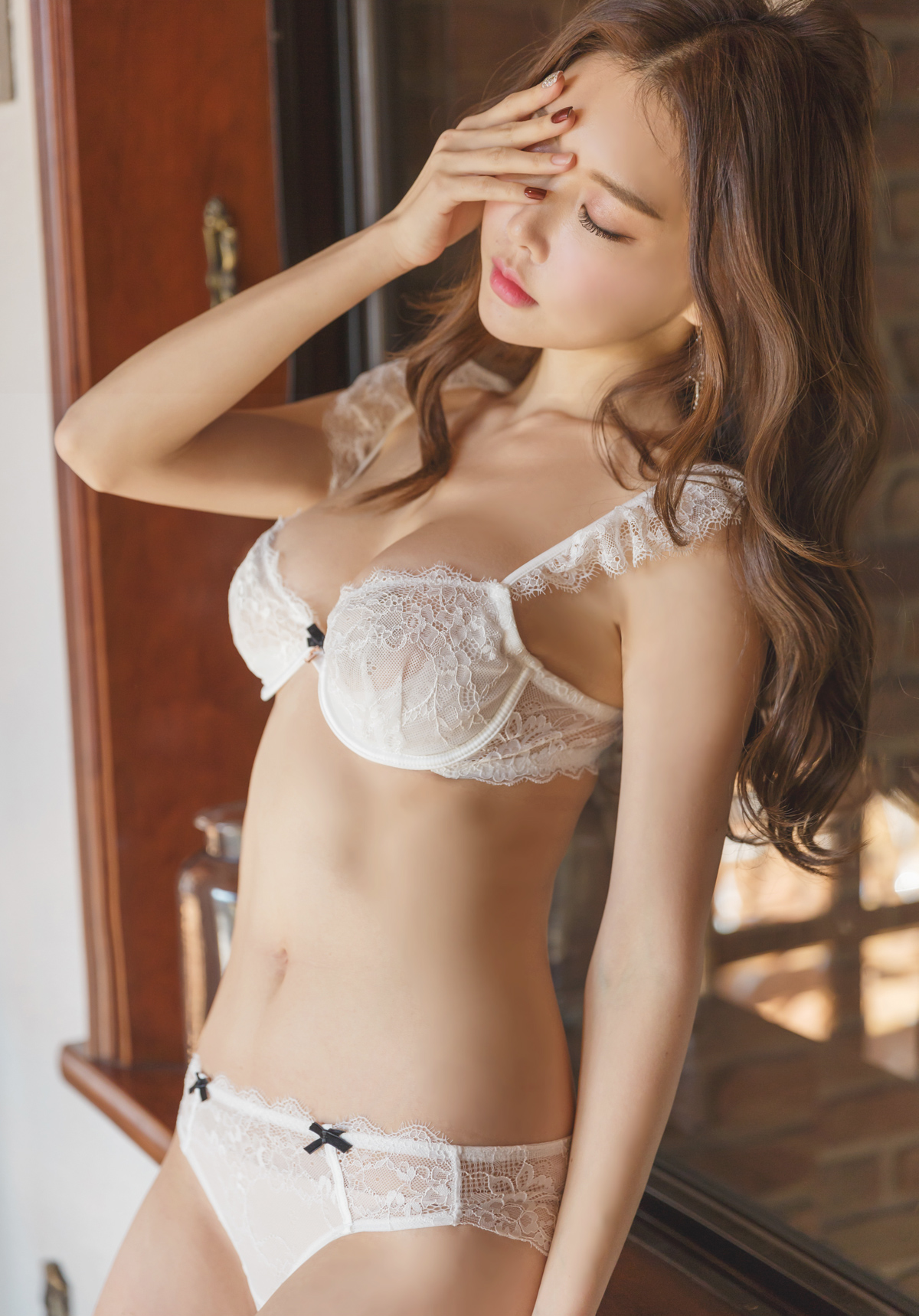 hot Korean Yoon Ae Ji in sexy lingerie