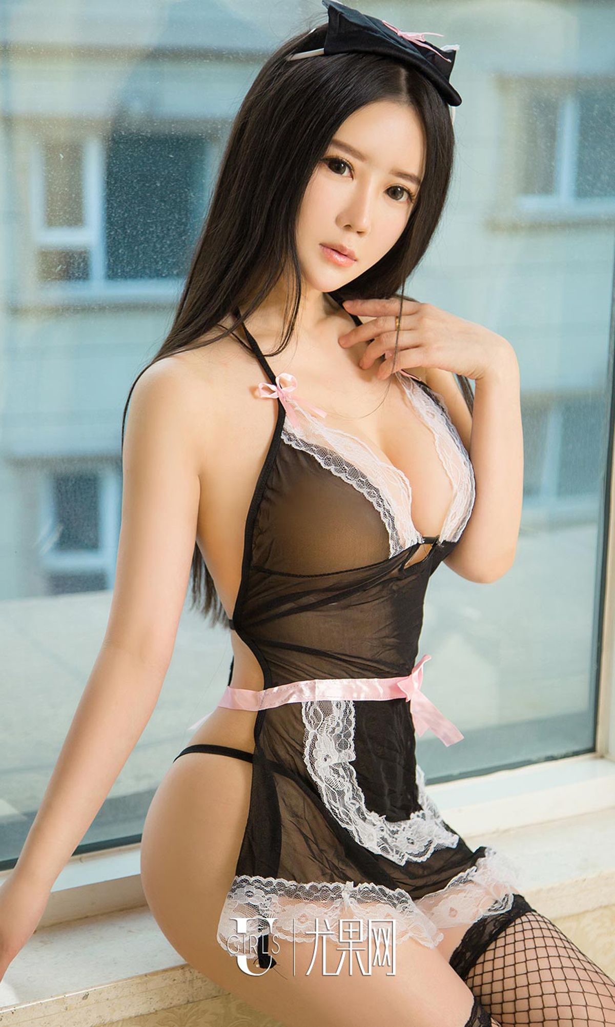hot wearing Chinese glamour