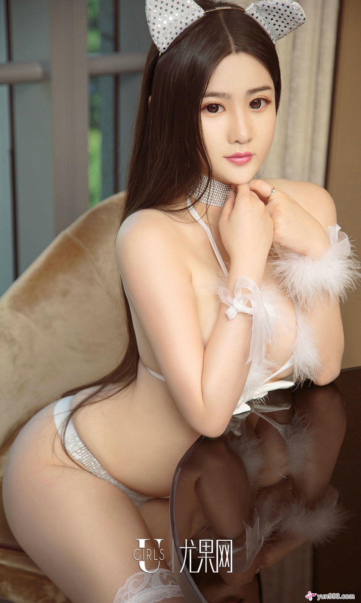 hot Chinese beautiful girl wearing sexy lingerie